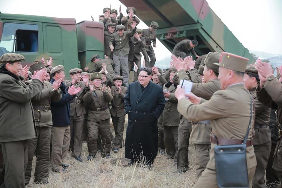 Loat hinh an tuong ve Tong Tu lenh Toi cao Kim Jong-un-Hinh-9