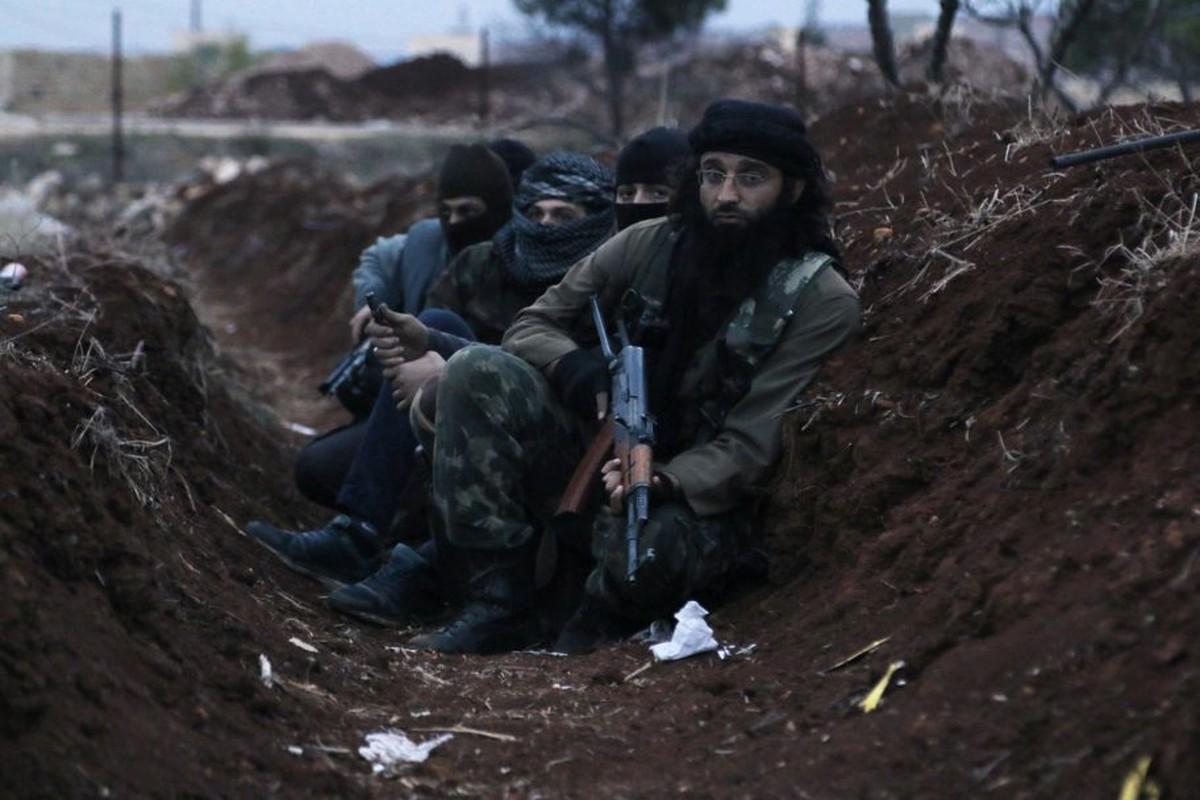Khung bo dien cuong phan cong, tan sat binh si Syria tai Latakia-Hinh-3
