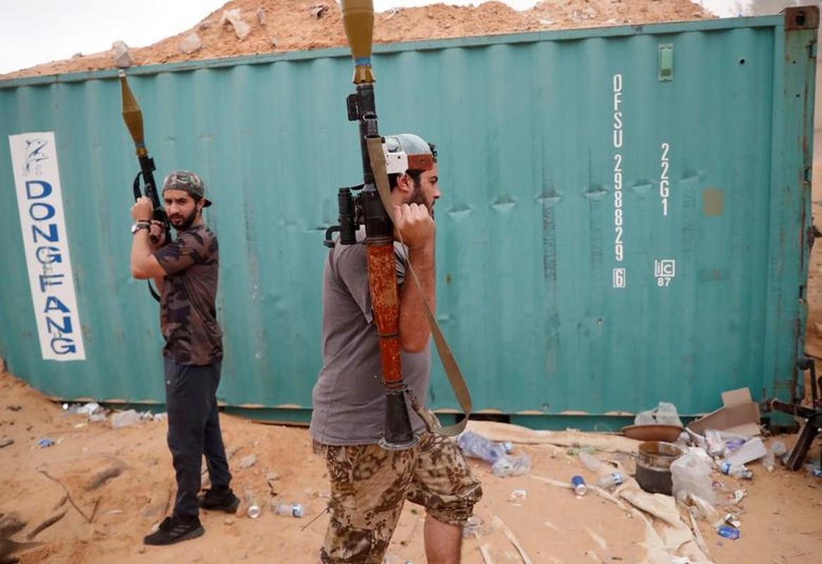 Chien su ac liet tai Tripoli: Hai thang chim trong khoi lua-Hinh-13