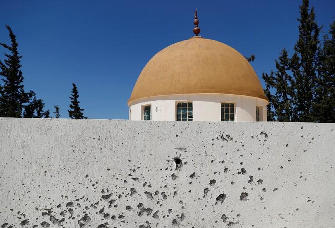 Chien su ac liet tai Tripoli: Hai thang chim trong khoi lua-Hinh-4