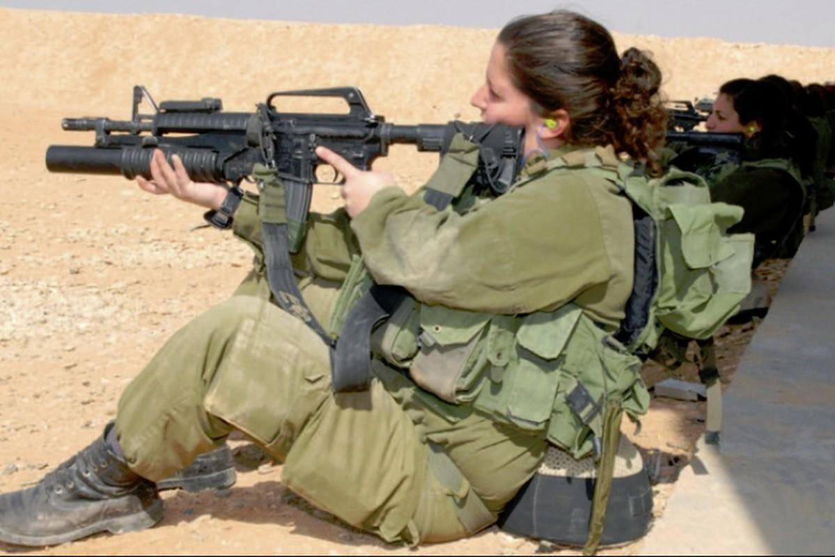 Anh nu quan nhan Israel xinh dep