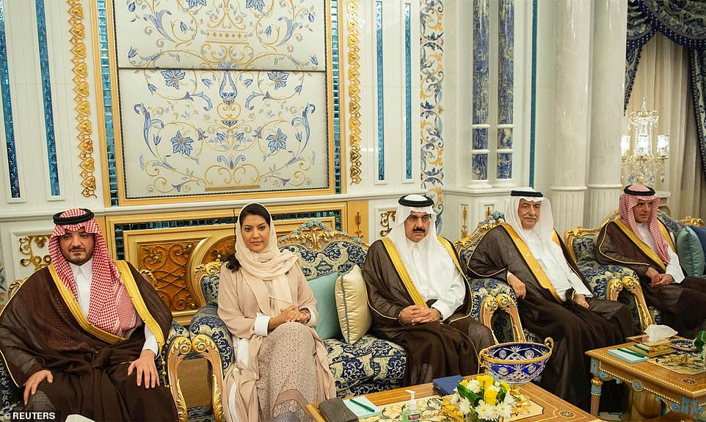 Giua cang thang voi Iran, Ngoai truong My Mike Pompeo tham Saudi Arabia-Hinh-4