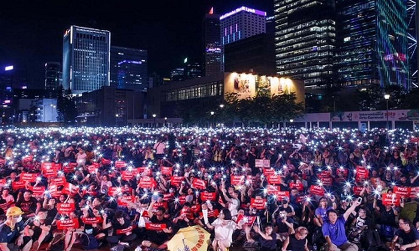 Bien nguoi bieu tinh o Hong Kong truoc G20-Hinh-2
