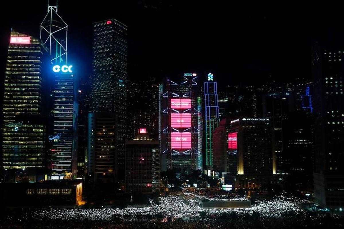 Bien nguoi bieu tinh o Hong Kong truoc G20-Hinh-8