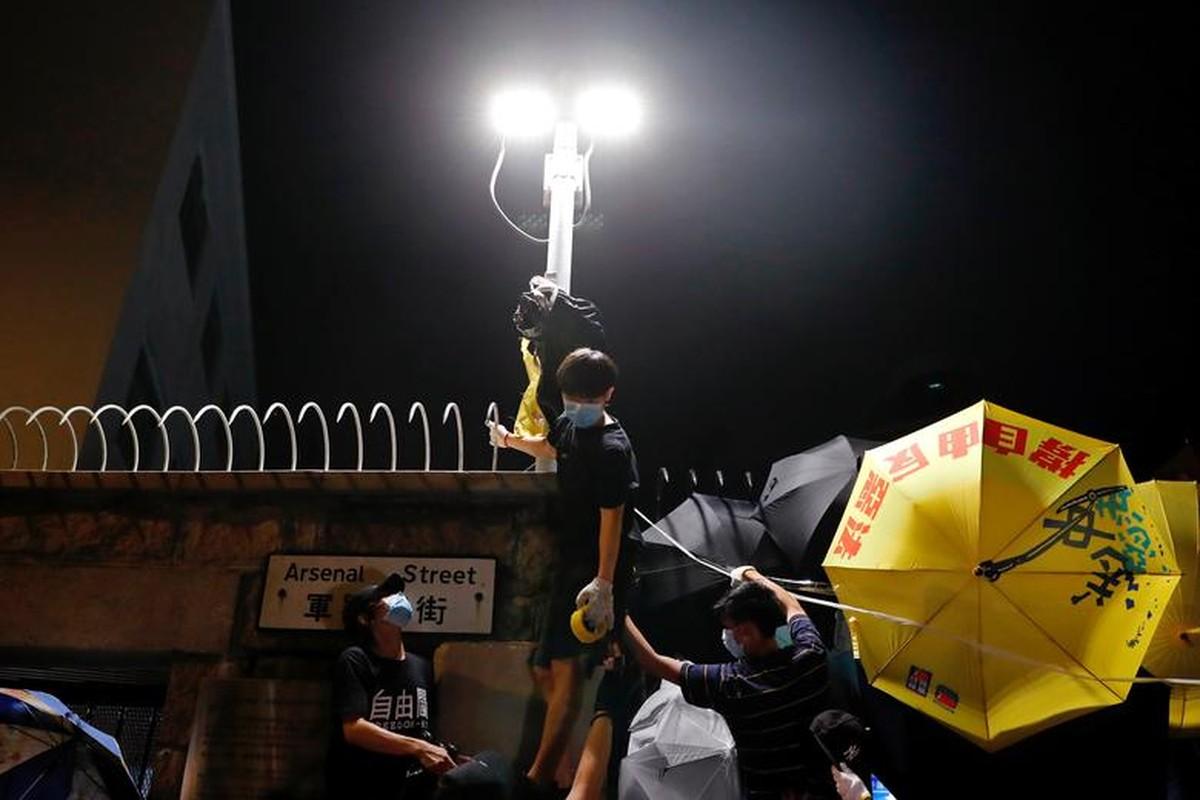 Bien nguoi bieu tinh o Hong Kong truoc G20-Hinh-9
