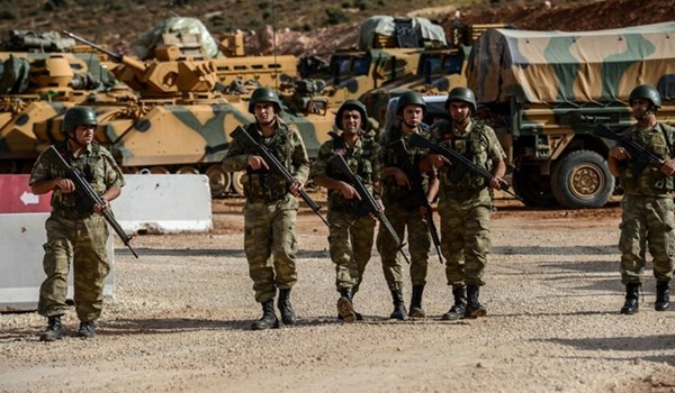 Khung bo danh up, tan sat binh si Syria tren chien truong Idlib-Hinh-9