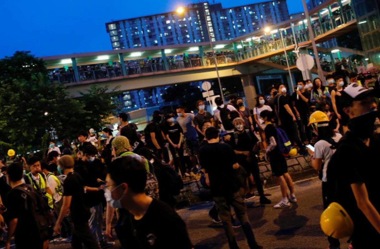 Vi sao nguoi bieu tinh Hong Kong lai dung do canh sat?-Hinh-4