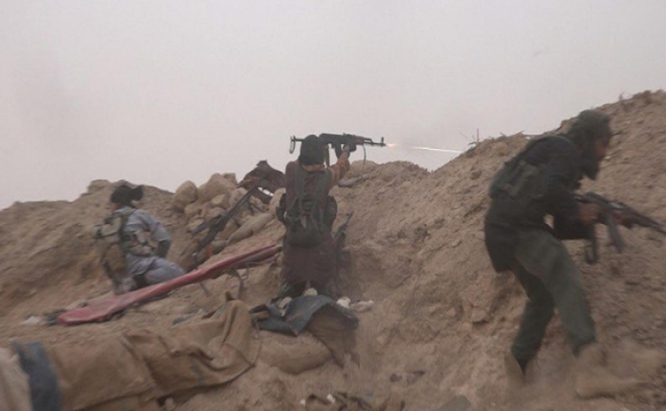 """Khung bo IS """"chet nhu nga ra"""" tren chien truong Syria vi...lieu-Hinh-5"""