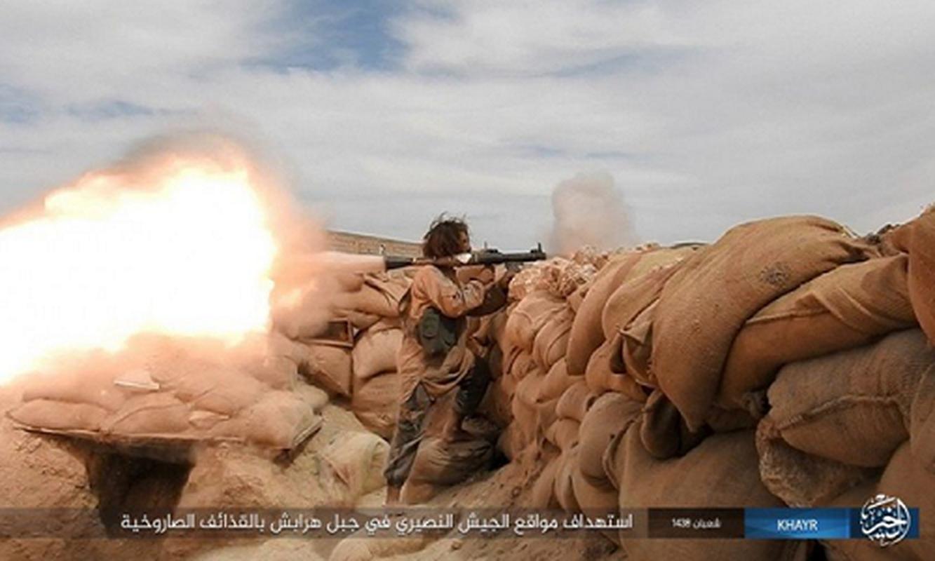 """Khung bo IS """"chet nhu nga ra"""" tren chien truong Syria vi...lieu"""