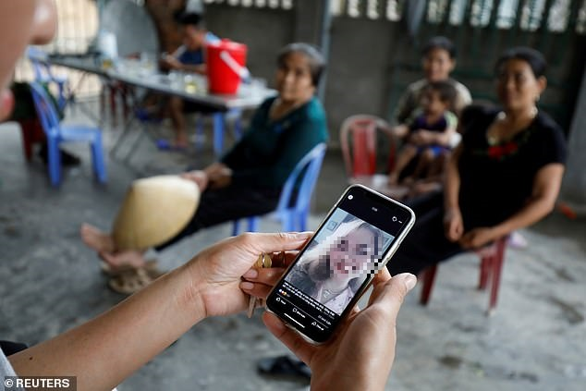 Bao Anh: 25/39 nguoi chet trong container den tu cung mot vung que Viet Nam-Hinh-2