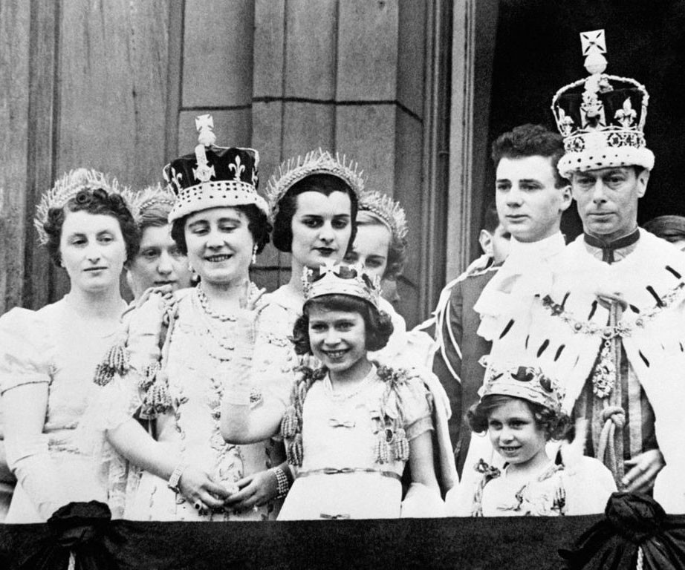 Phat sot anh thoi tre xinh dep cua Nu hoang Anh Elizabeth II-Hinh-8