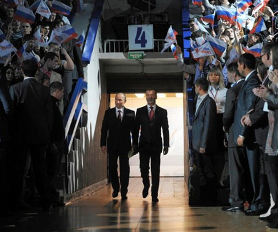 Hinh anh Tong thong Nga Putin o Paris gay ngac nhien-Hinh-15