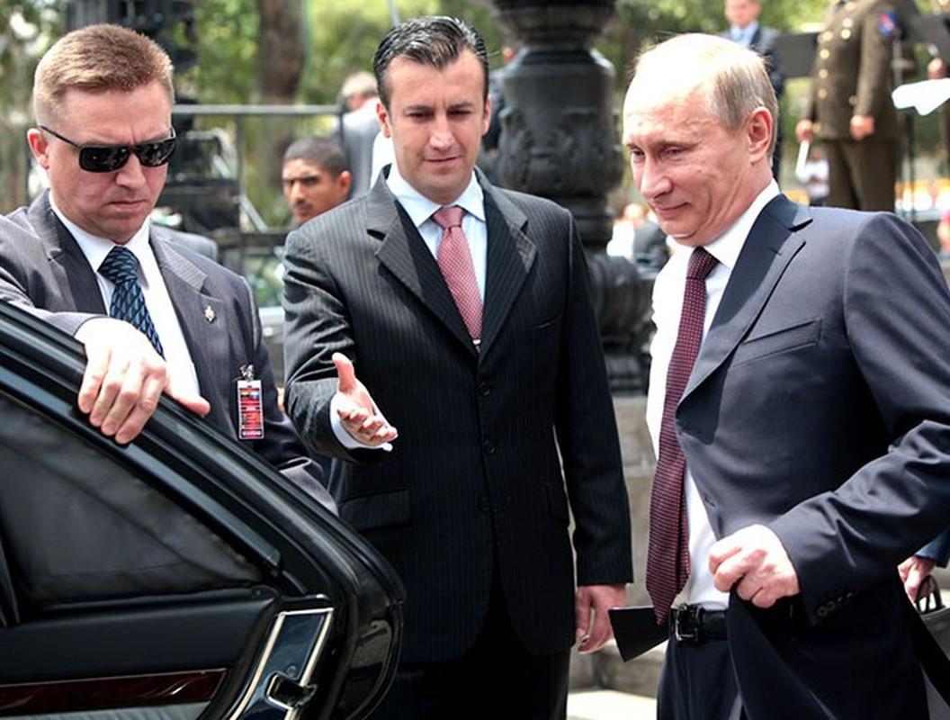 Hinh anh Tong thong Nga Putin o Paris gay ngac nhien-Hinh-6