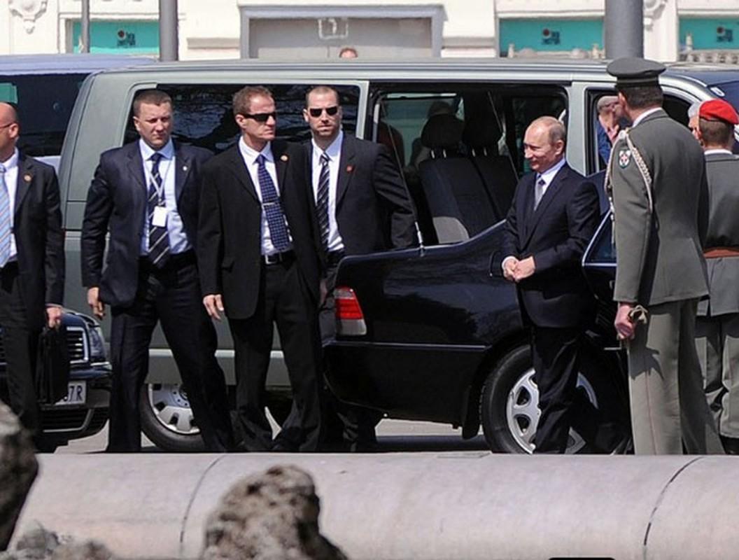 Hinh anh Tong thong Nga Putin o Paris gay ngac nhien-Hinh-9