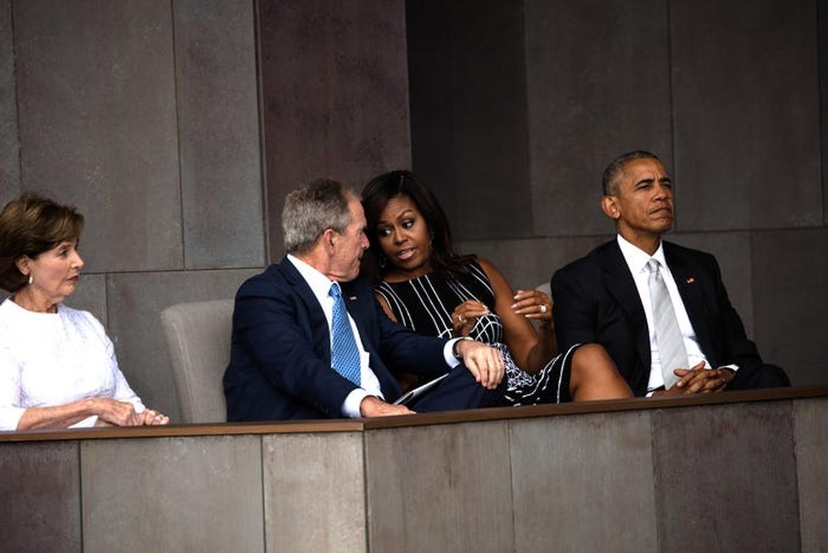 An tuong tinh ban cua cuu Tong thong My Bush va ba Michelle Obama-Hinh-10