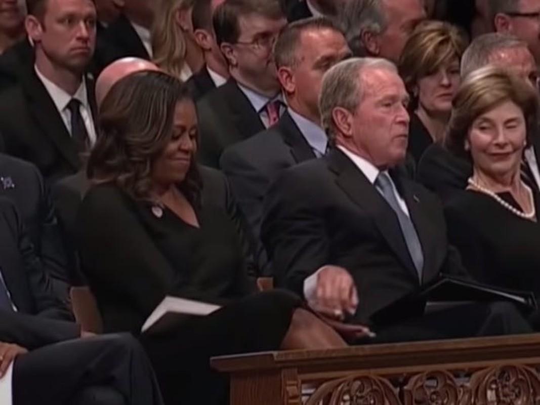 An tuong tinh ban cua cuu Tong thong My Bush va ba Michelle Obama-Hinh-8