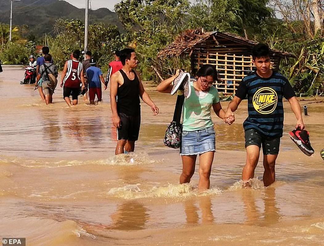 Toan canh bao Phanfone can quet, Philippines tan hoang dip Giang sinh-Hinh-10