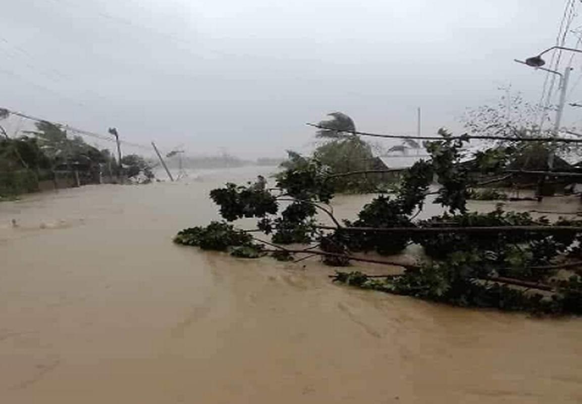 Toan canh bao Phanfone can quet, Philippines tan hoang dip Giang sinh-Hinh-4