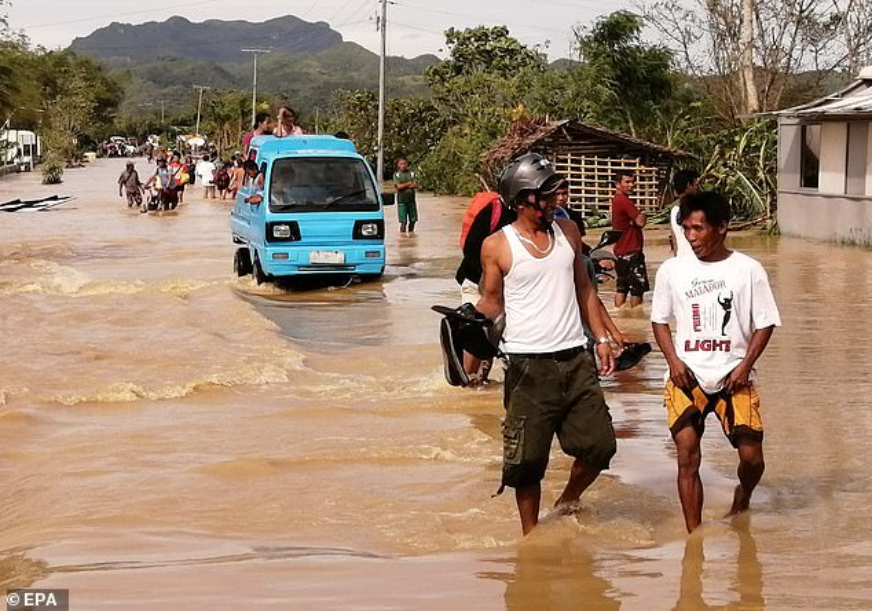 Toan canh bao Phanfone can quet, Philippines tan hoang dip Giang sinh-Hinh-7