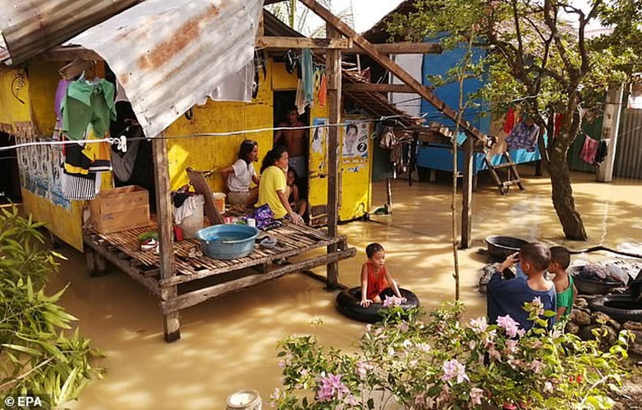 Toan canh bao Phanfone can quet, Philippines tan hoang dip Giang sinh-Hinh-8