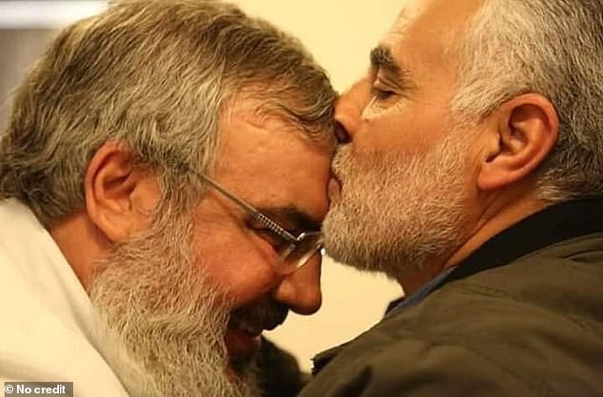 He lo hinh anh cuoi cung cua tuong Iran Soleimani truoc khi bi sat hai-Hinh-2
