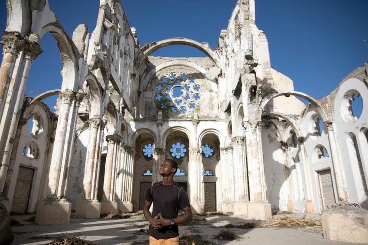 Can canh Haiti 10 nam sau tham hoa dong dat 200.000 nguoi thuong vong