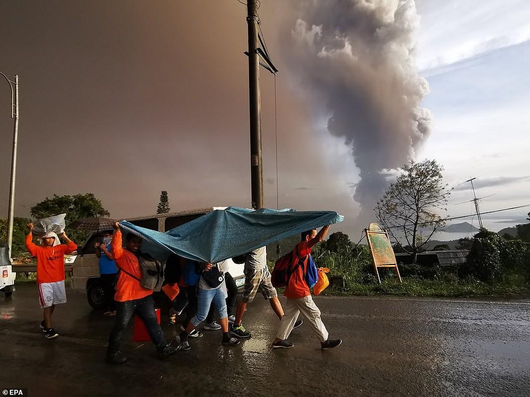 "Hai hung canh nui lua ""thuc giac"" o Philippines, 6.000 nguoi voi so tan-Hinh-8"