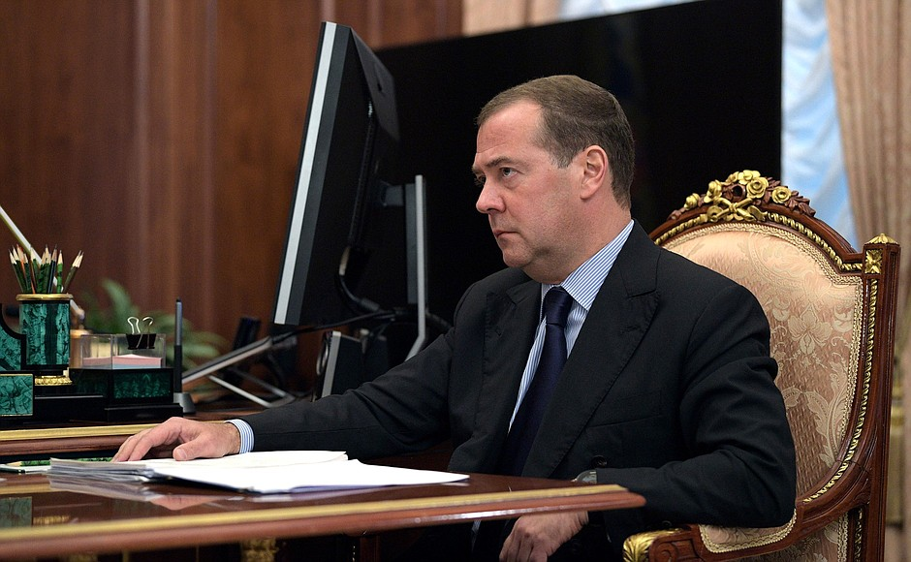 Cuu Thu tuong Nga Medvedev tung buoc len dinh cao quyen luc nhu the nao?-Hinh-11