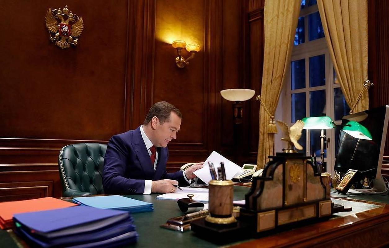 Cuu Thu tuong Nga Medvedev tung buoc len dinh cao quyen luc nhu the nao?-Hinh-8
