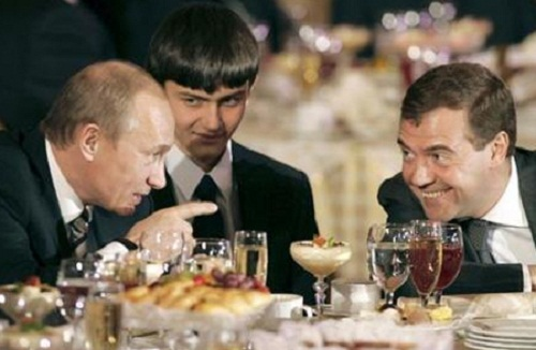 Nguong mo tinh chien huu cua Tong thong Nga Putin va cuu Thu tuong Medvedev-Hinh-8