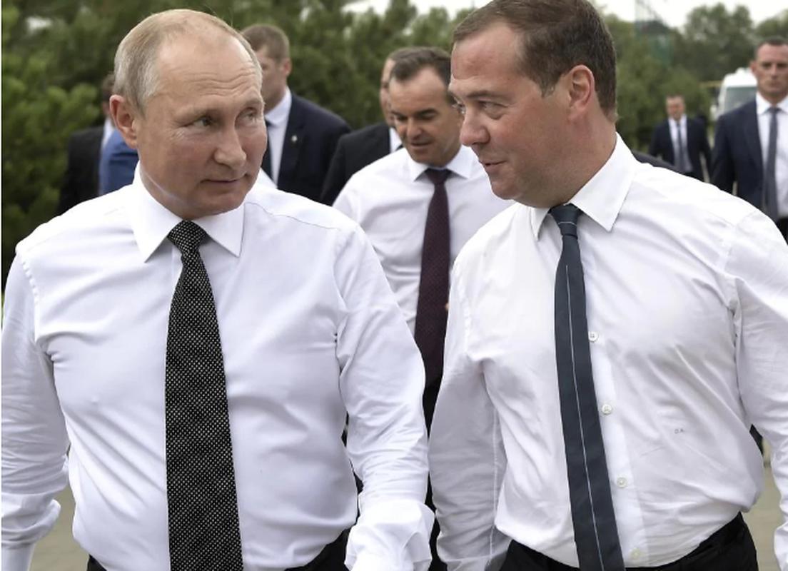 Nguong mo tinh chien huu cua Tong thong Nga Putin va cuu Thu tuong Medvedev-Hinh-5