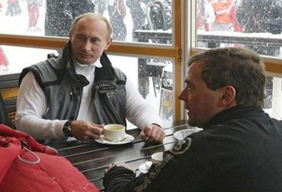 Nguong mo tinh chien huu cua Tong thong Nga Putin va cuu Thu tuong Medvedev-Hinh-6