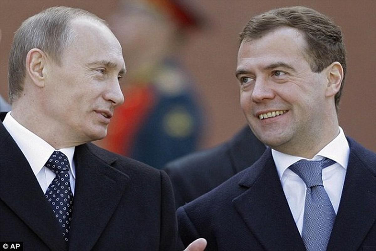 Nguong mo tinh chien huu cua Tong thong Nga Putin va cuu Thu tuong Medvedev