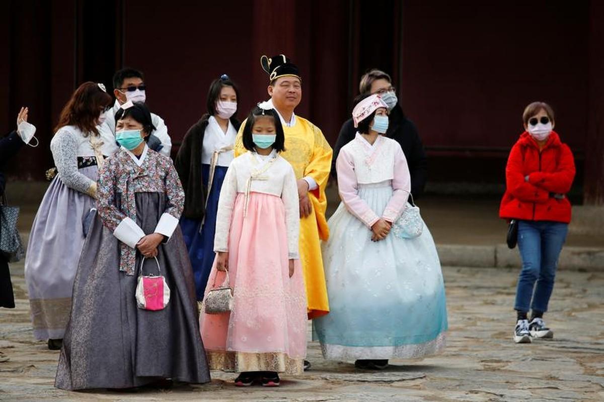The gioi quay cuong doi pho voi virus corona nhu the nao?-Hinh-8