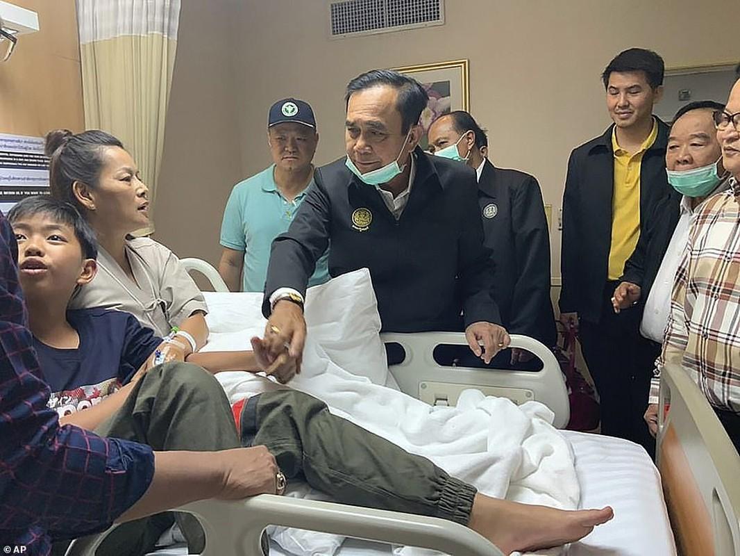 Toan canh vu quan nhan xa sung 29 nguoi chet rung dong Thai Lan-Hinh-11