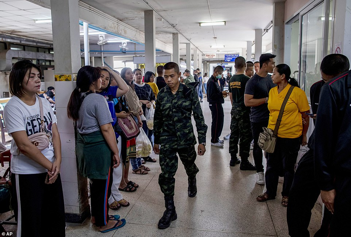 Toan canh vu quan nhan xa sung 29 nguoi chet rung dong Thai Lan-Hinh-12