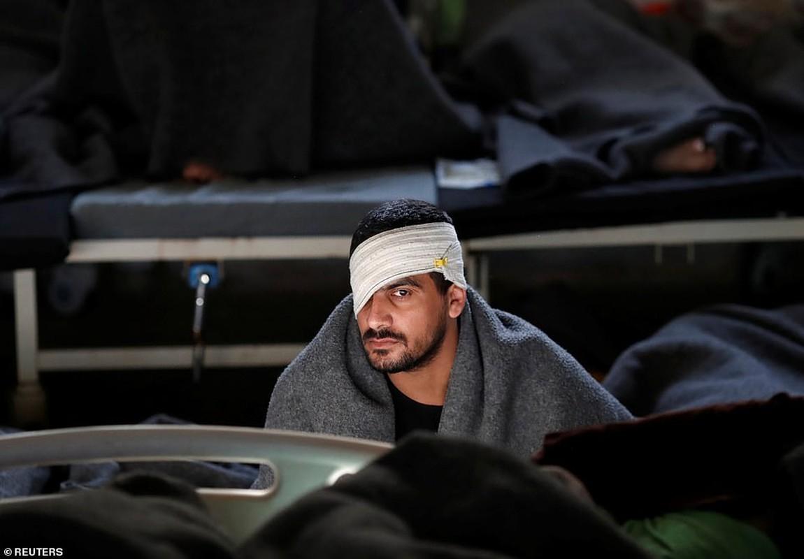 Canh hang nghin tu binh IS nhoi nhet trong nha tu o Syria-Hinh-5