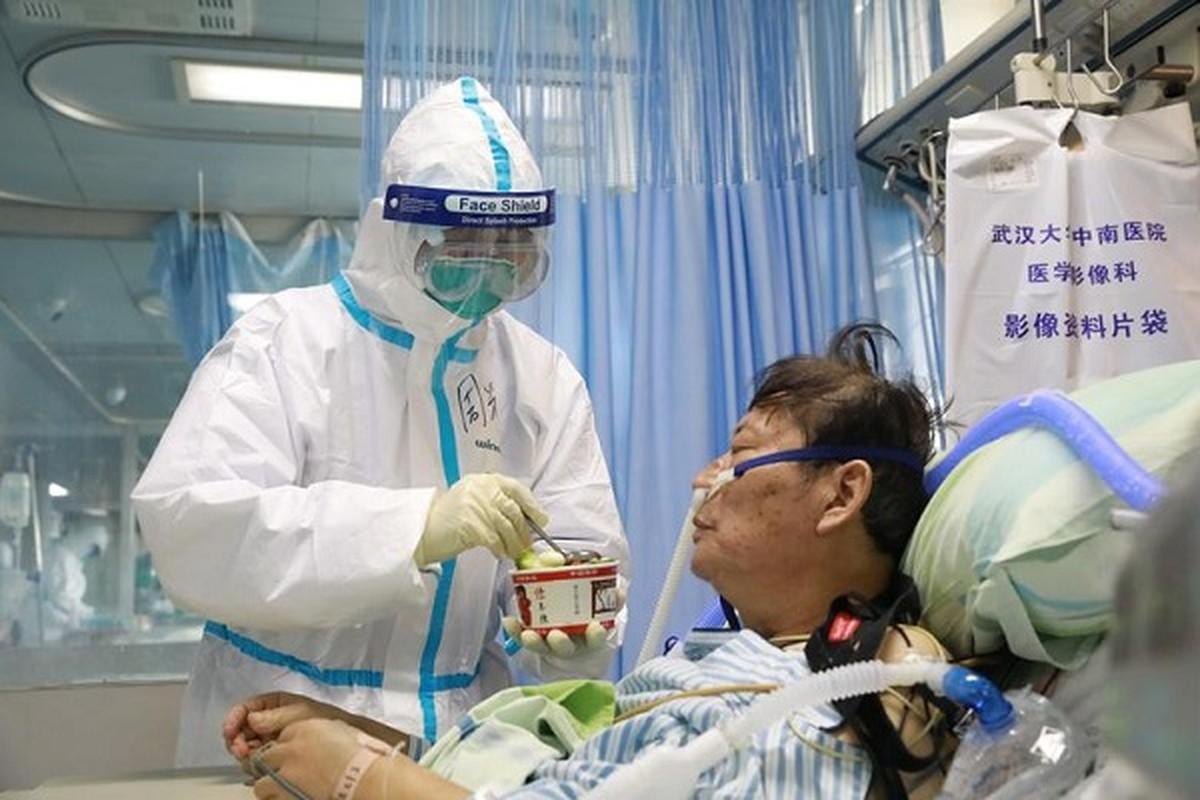 Xuc dong hinh anh y bac si Trung Quoc trong cuoc chien chong virus corona-Hinh-2