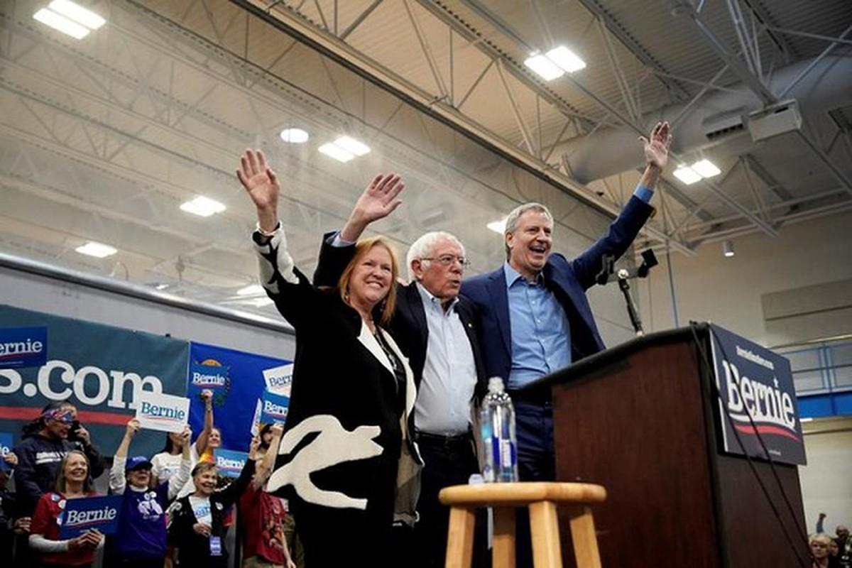 Anh: Ung vien Tong thong My Bernie Sanders lai thang lon tai Nevada-Hinh-9