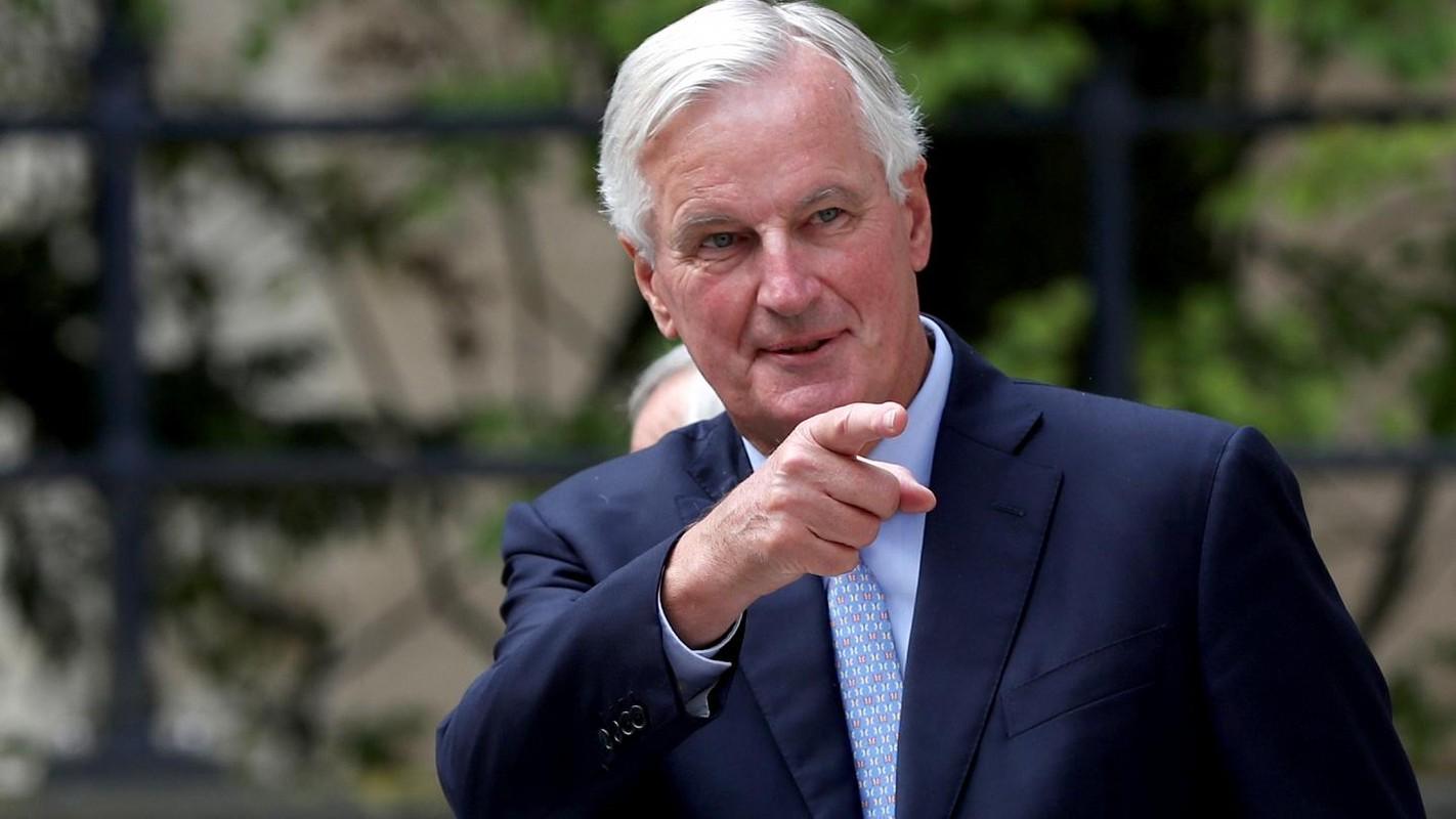 Chan dung Truong doan dam phan Brexit cua EU nhiem Covid-19-Hinh-6