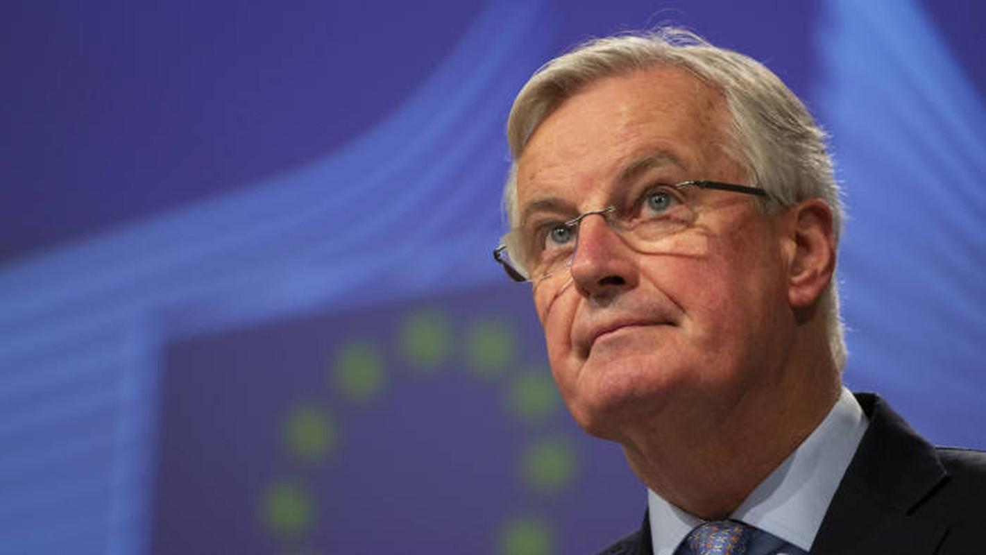 Chan dung Truong doan dam phan Brexit cua EU nhiem Covid-19