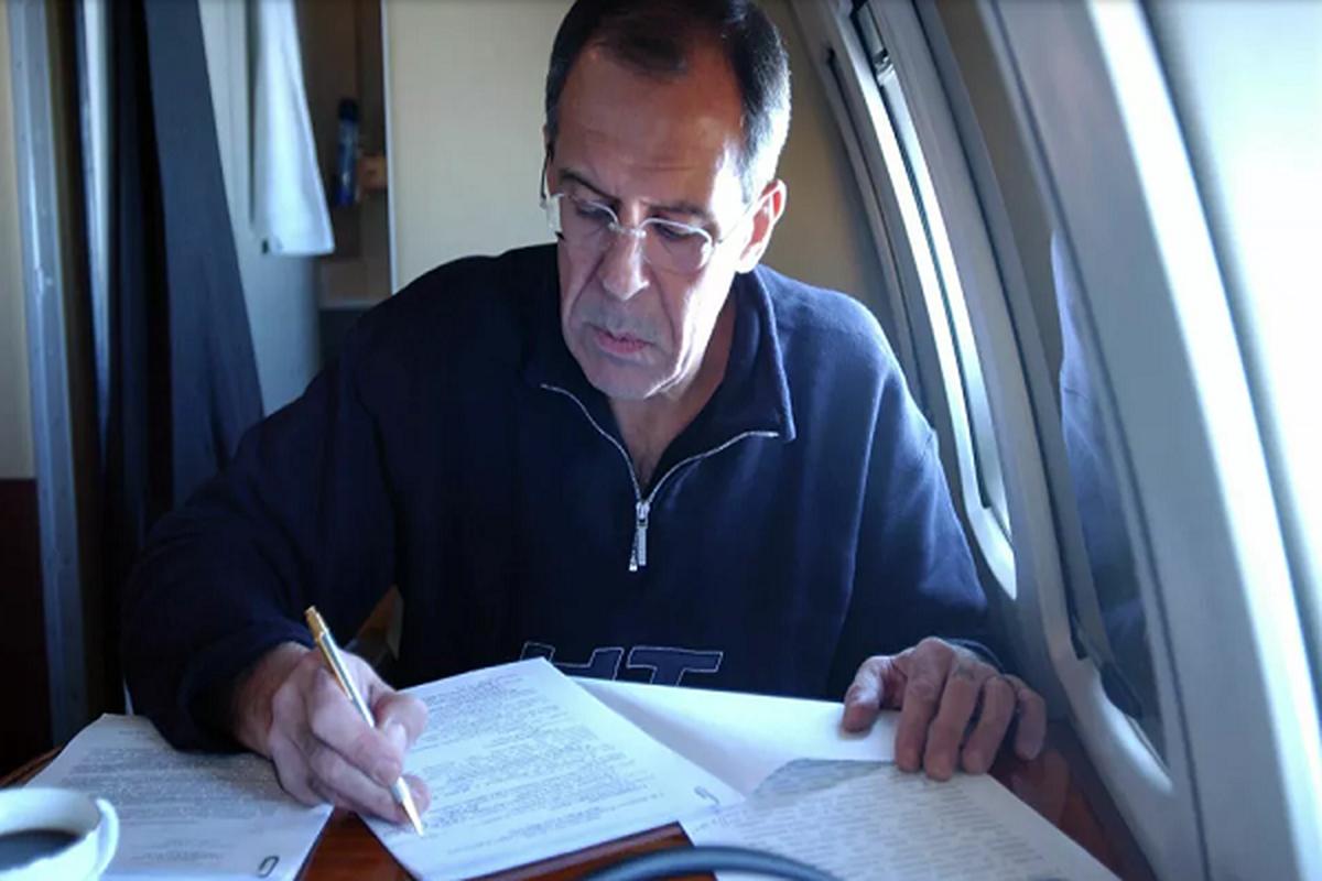 Loat hinh an tuong Ngoai truong Nga Sergei Lavrov trong cong viec, doi thuong-Hinh-4