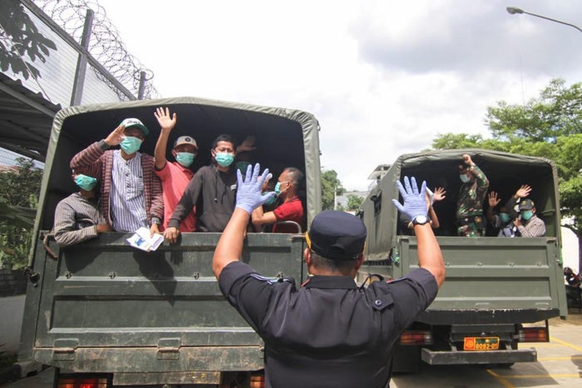 """Indonesia """"sa lay"""" trong cuoc khung hoang COVID-19 nhu the nao?-Hinh-14"""