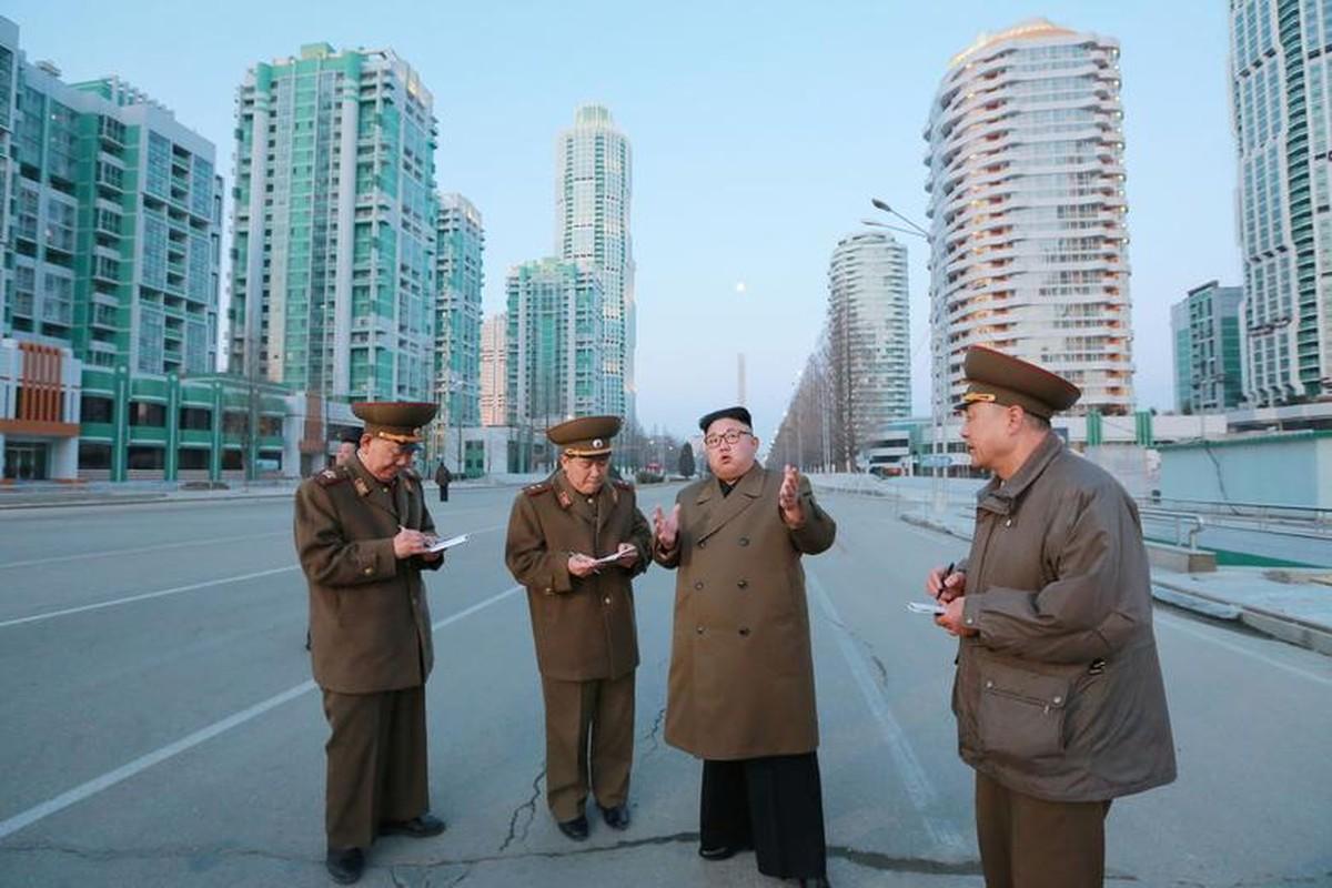Loat hinh an tuong ve cac hoat dong cua nha lanh dao Kim Jong-un-Hinh-15