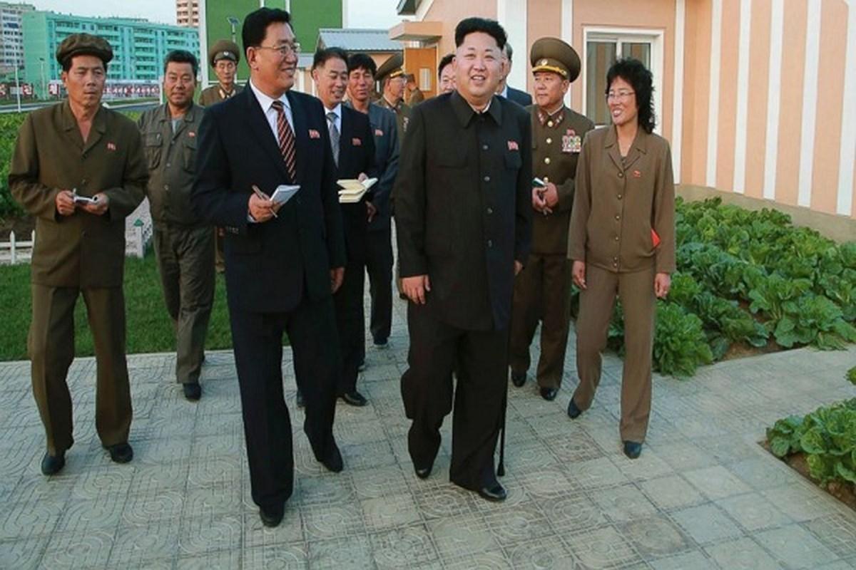 """Nhin lai lan """"o an"""" 40 ngay cua nha lanh dao Kim Jong-un nam 2014-Hinh-5"""