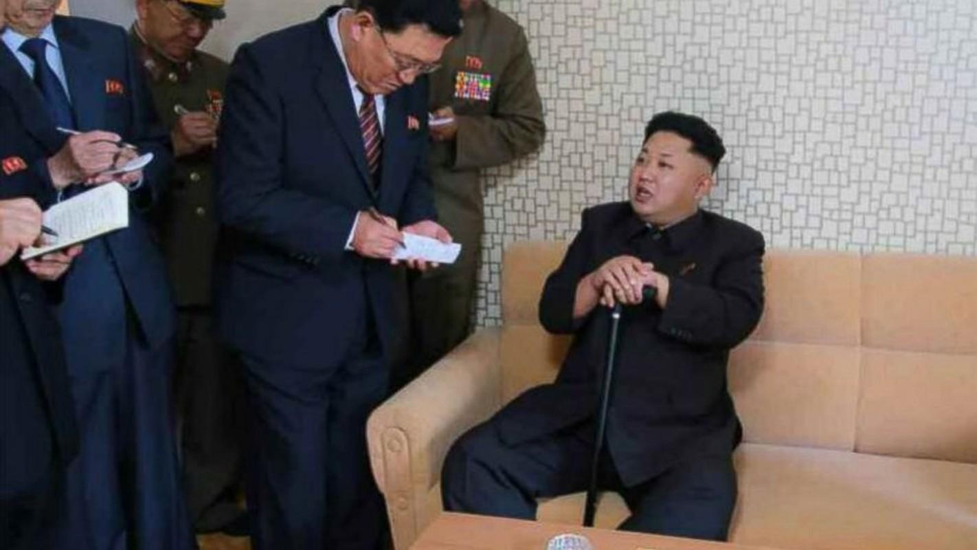 """Nhin lai lan """"o an"""" 40 ngay cua nha lanh dao Kim Jong-un nam 2014-Hinh-6"""