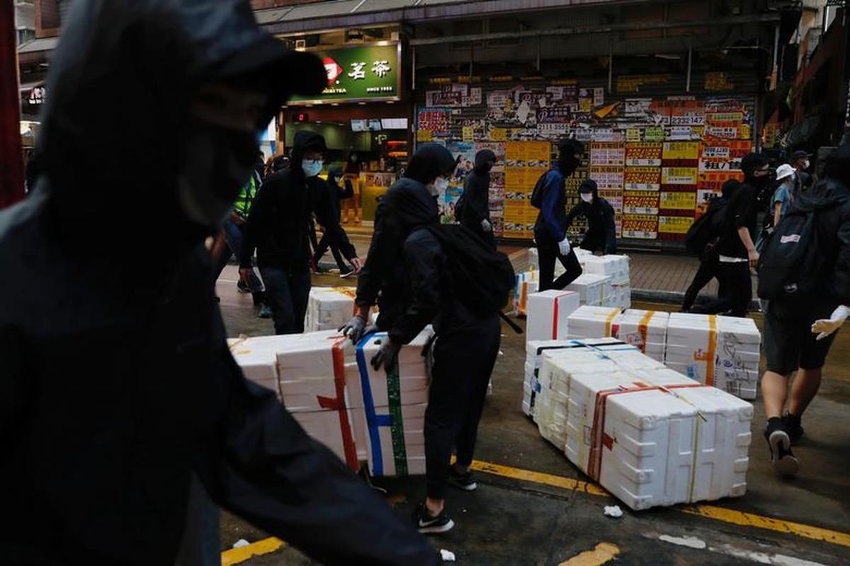 Toan canh bieu tinh o Hong Kong giua dai dich COVID-19-Hinh-7