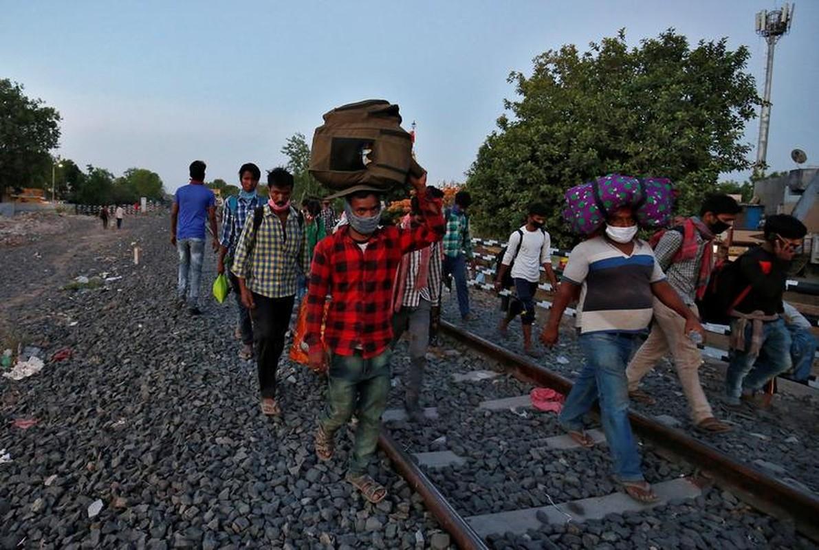 Tham canh lao dong nhap cu An Do tren duong ve que mua COVID-19-Hinh-14