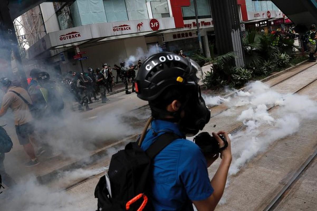 Can canh Hong Kong sau mot nam bieu tinh chong du luat dan do-Hinh-12