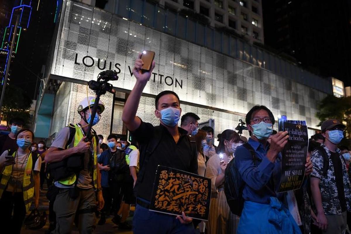 Can canh Hong Kong sau mot nam bieu tinh chong du luat dan do-Hinh-2